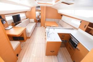 Jeanneau 51 Yacht - Network Yachts
